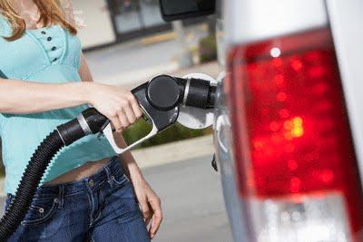 La adición en la gasolina para la calma